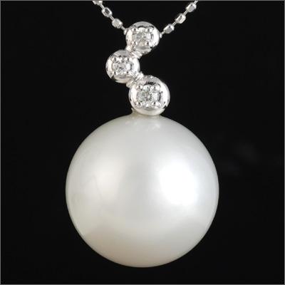 ダイヤモンド3石入り 大粒・無傷の南洋白蝶真珠13mmペンダントトップ「無敵のパール」
