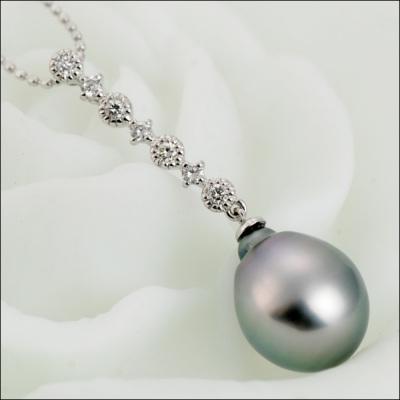 【限定6個限り】南洋黒蝶真珠×ダイヤモンドペンダントトップ「ボー」Beau