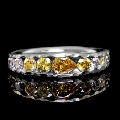 ファンシーカラーダイヤモンドリング「アース」