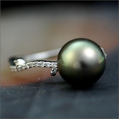 黒蝶真珠×ダイヤモンドリング「いばら姫」