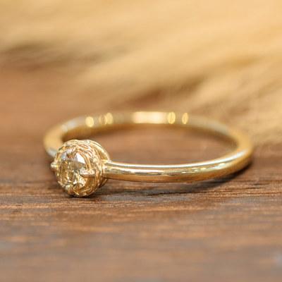 稀有な発色 ファンシーカラ—ダイヤモンドリング「ラスター」